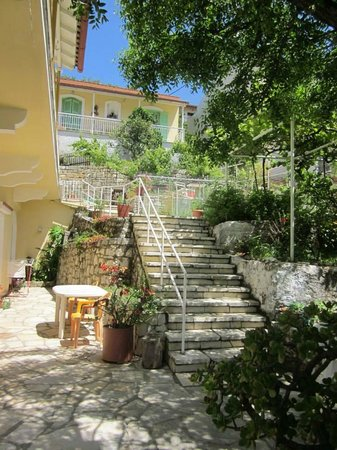 Theofilos Studios & Apartments: Pagona house