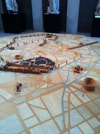 Museo Civico Archeologico : Model of how it all looked a long time ago