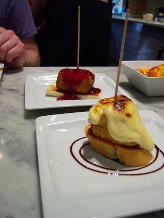 Tast Unión: A couple of the pinchos
