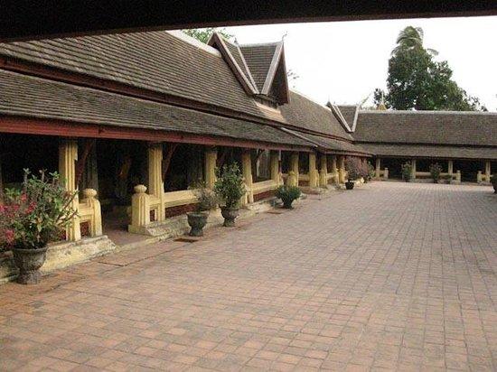 Wat Si Saket: Courtyard