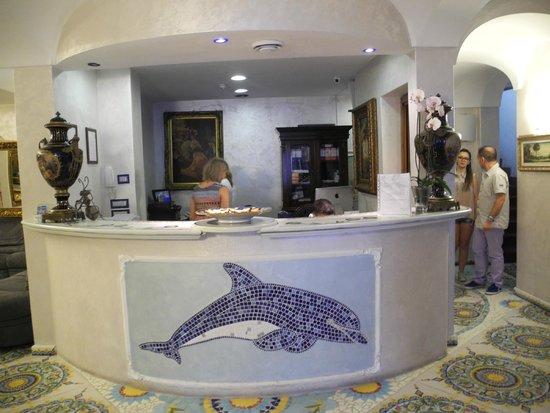 Delfini Strand Hotel Terme : Reception dell'albergo