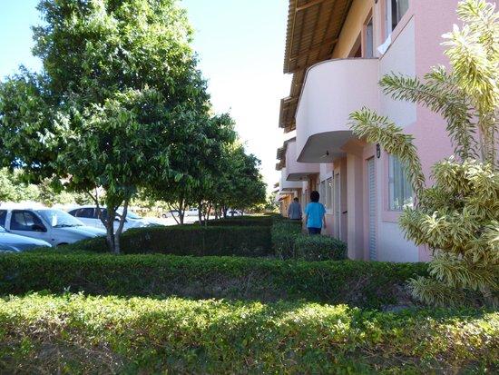 Di Roma International Resort: Lateral dos resorts.