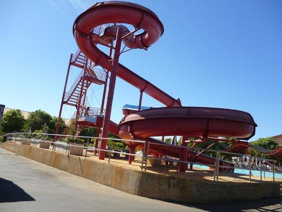 Di Roma International Resort: Tobo água.