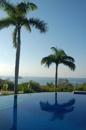 Parador Resort and Spa: Zeezicht vanop balkon