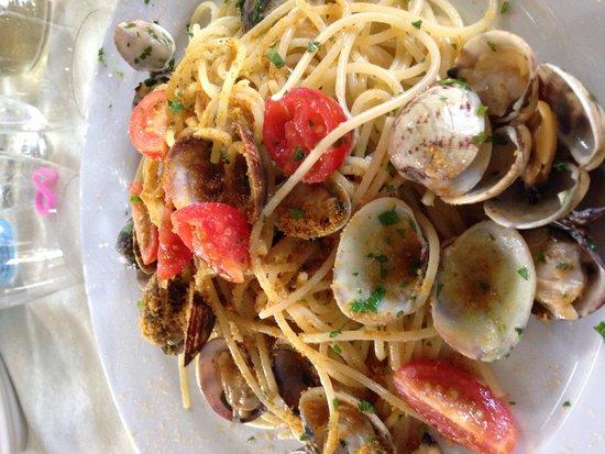 La Tribbita: Spaghetti vongole e bottarga