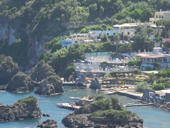 Delfini Strand Hotel Terme : Hotel Delfini visto dal Castello Aragonese