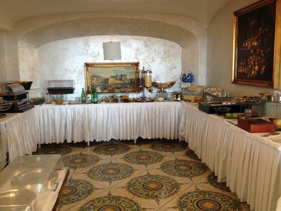 Delfini Strand Hotel Terme : Buffet colazione