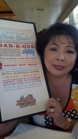 Lucille's Smokehouse BBQ: Dinner at Lucille's Smokehouse