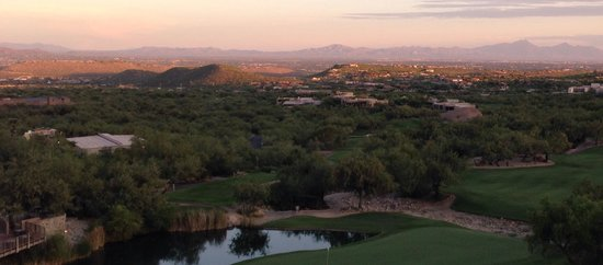 Loews Ventana Canyon Resort: Sunset