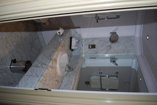 Radisson Blu Edwardian Grafton Hotel: Room 417 - Bathroom