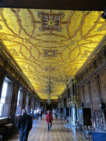Hatfield House: Gallery Ceiling