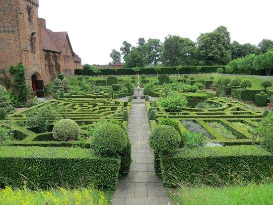 Hatfield House: Knot Garden