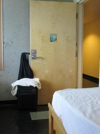 Simon Hotel: Single low priced unit