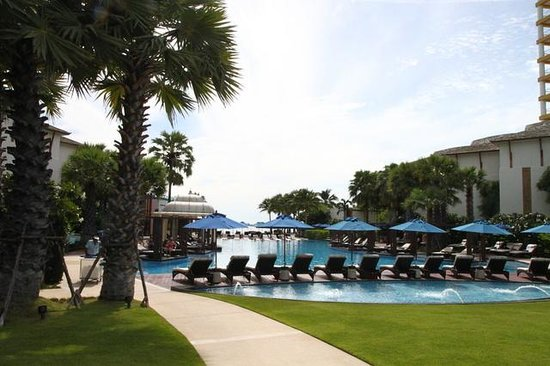 InterContinental Hua Hin Resort: outdoor pool