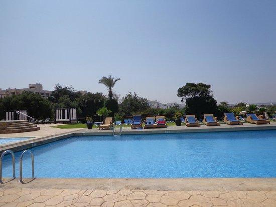 Anezi Tower Hotel : basen...