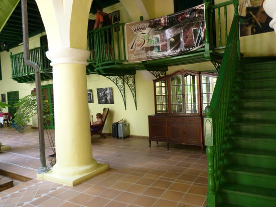 Cigar shop picture of hotel conde de villanueva havana tripadvisor - Casa rural villanueva del conde ...