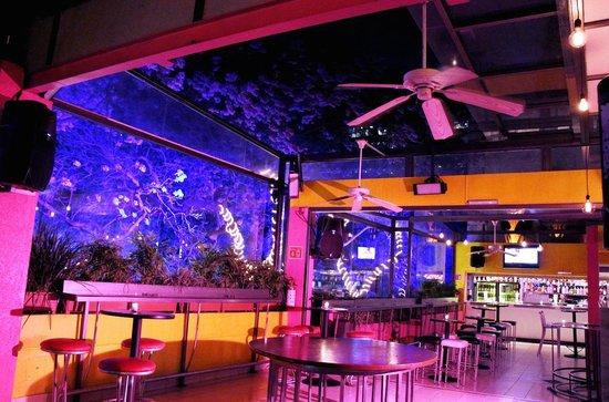 Terraza 2do piso picture of kinky bar mexico city for Terraza bar