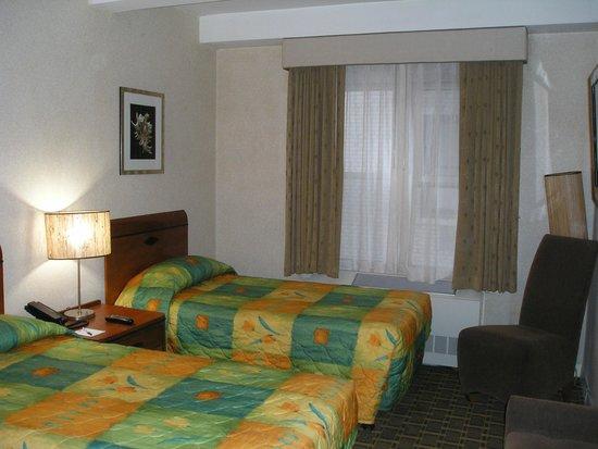 Hotel Edison Times Square: Hotel room