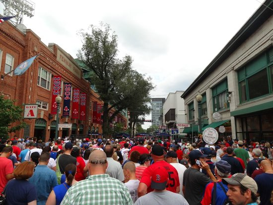 Fenway Park: Outside before the match