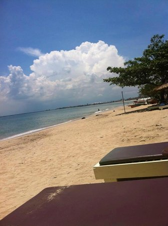 Keraton Jimbaran Beach Resort : playa limpia y tranquila