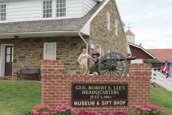 Gettysburg National Military Park : General Lee's headquarters on the Chambersburg Pike