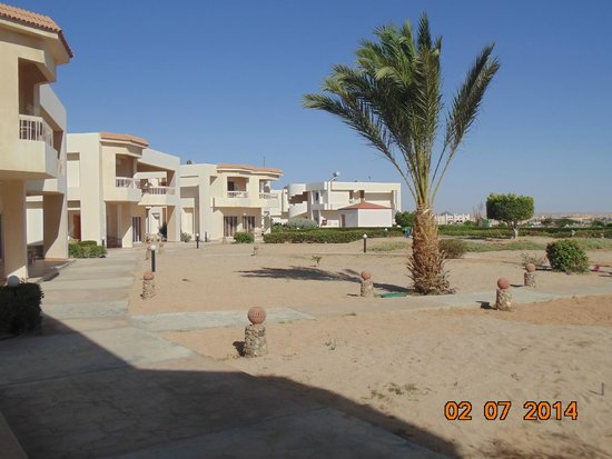 Hilton Hurghada Long Beach Resort : территория отеля