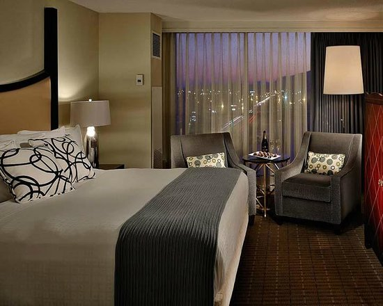 The Chattanoogan: Chatt Suite Night Time