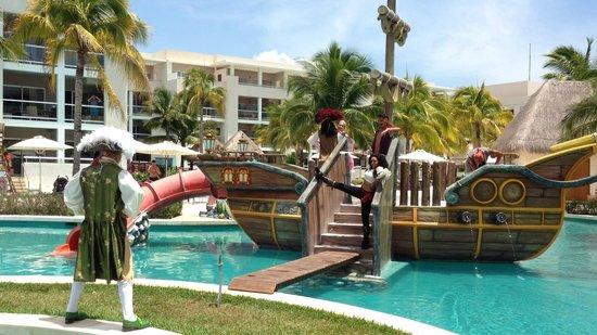 Paradisus Playa Del Carmen La Esmeralda: Show de Piratas
