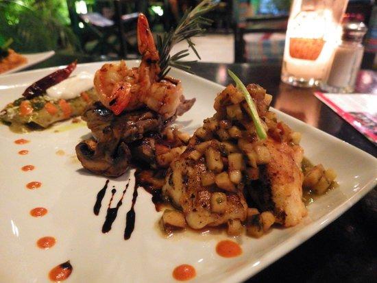 Kondesa Restaurante: Enchilada, Steak and Shrimp, and Sea Bass - The Kondesa Experience