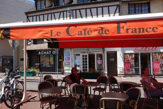Cafe de France: a varanda