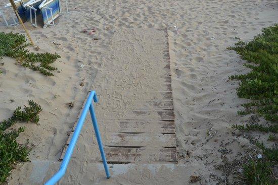 Le 4 Stagioni : Accesso spiaggia