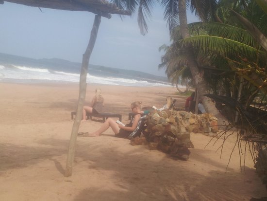 Dixcove, Ghana: ARRIVAL OF PRESTIGE CLIENT PROJECT ABROAD WITH 19 VOLUNTEERS 29th 2014