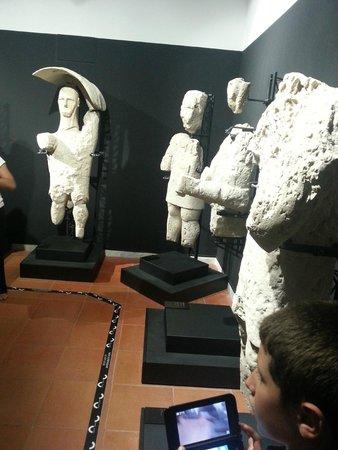 Museo Civico Giovanni Marongiu: le statue trovate