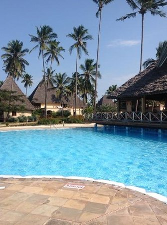 Neptune Pwani Beach Resort & Spa: nice pool