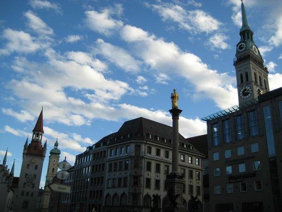 Marienplatz: Мариенплатц