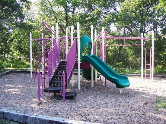 Grandpappy Point: playground