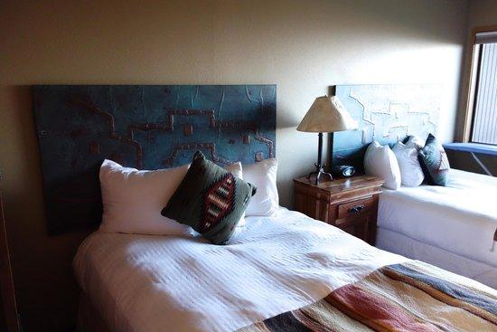 Far View Lodge : Simple but unique room