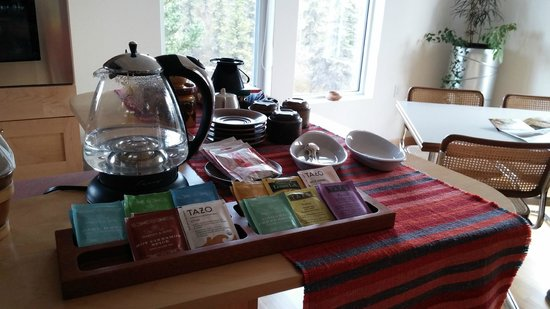 Deneki Lakes B&B: Afternoon tea selection