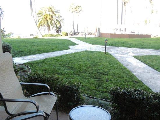 SeaCrest OceanFront Hotel: Patio view