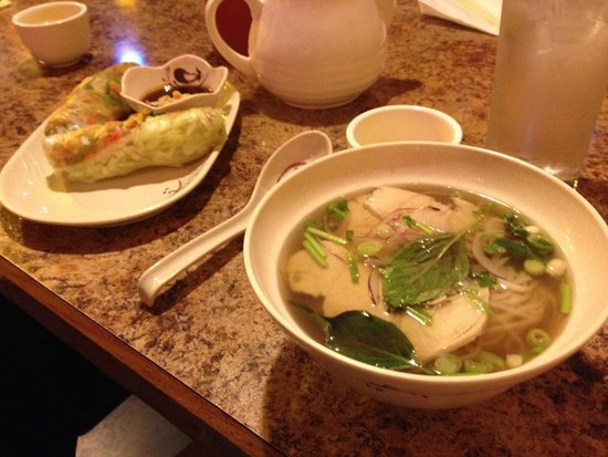 Quan 99 Vietnamese Restaurant: Pho and summer rolls.