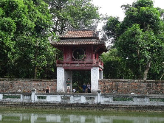 Temple de la Littérature de Hanoï : Hanoi's iconic landmark.