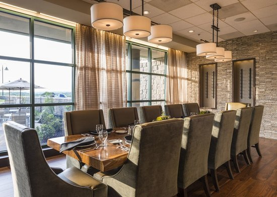 Chickasaw Retreat & Conference Center: private dining area