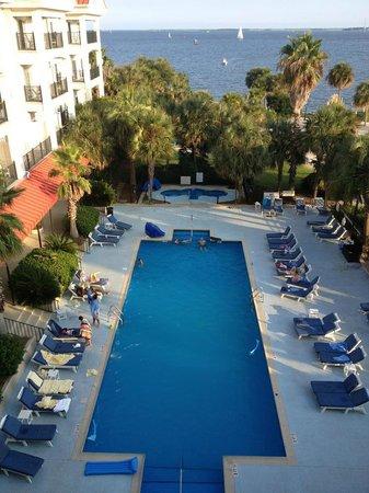 Charleston Harbor Resort & Marina: clean nice pool