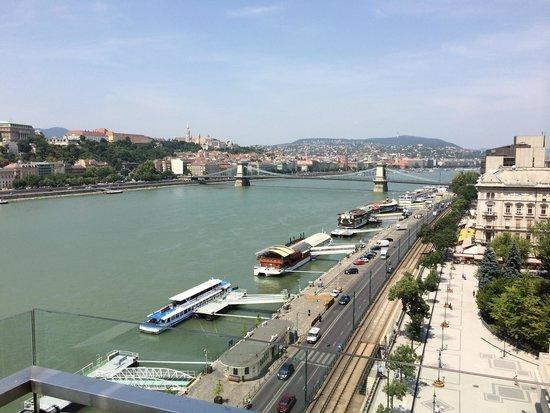 Budapest Marriott Hotel: Dieser Ausblick geniesst, wer sich die Ecksuite 716 gönnt.