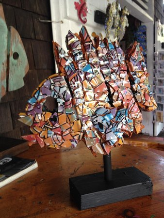 Zemi Art Gallery: Broken Pottery Fish.