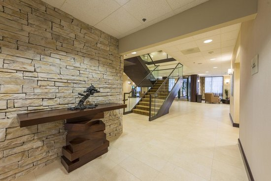 Chickasaw Retreat & Conference Center: Lobby area
