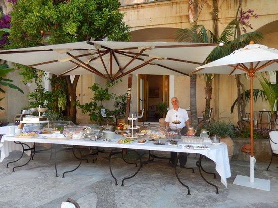 Hotel Palazzo Murat : Breakfast buffet