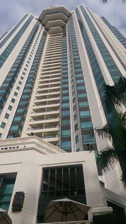 The Peninsula Bangkok: hotel