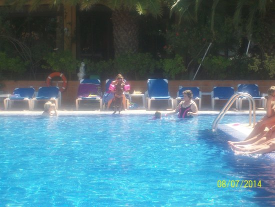 Univers Hotel: The Pool