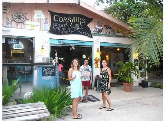 Corsairs Beach Bar & Restaurant: Outside Corsairs waiting for a delicious dinner